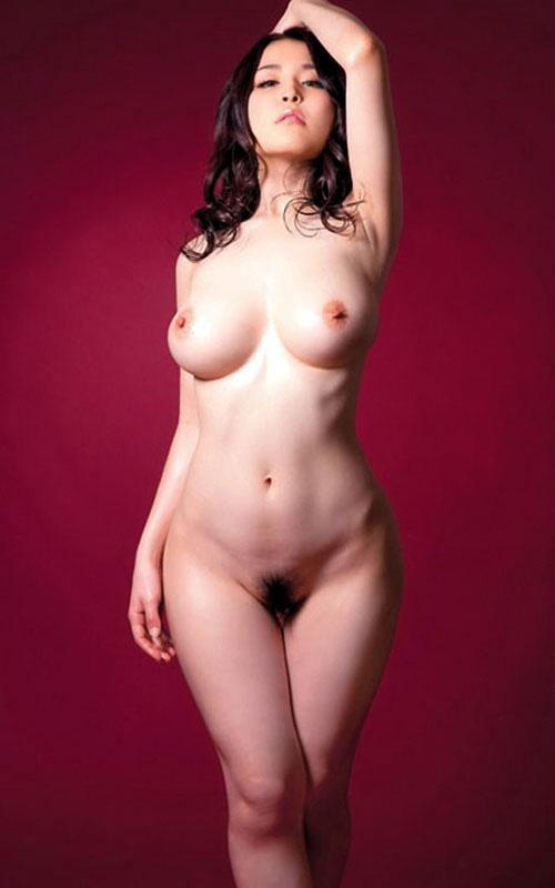 全裸女子の丸出しのおっぱいとマン毛に釘付け10