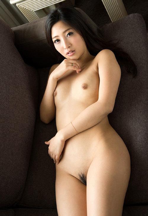 全裸女子の丸出しのおっぱいとマン毛に釘付け18