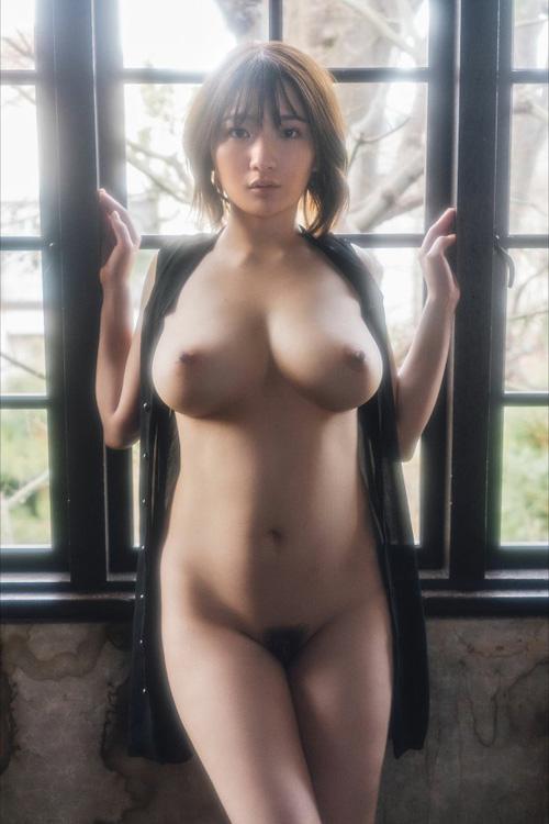 【鷲尾めい】Jカップ爆乳の清楚系美少女が本性剥き出しの腰振りセックス