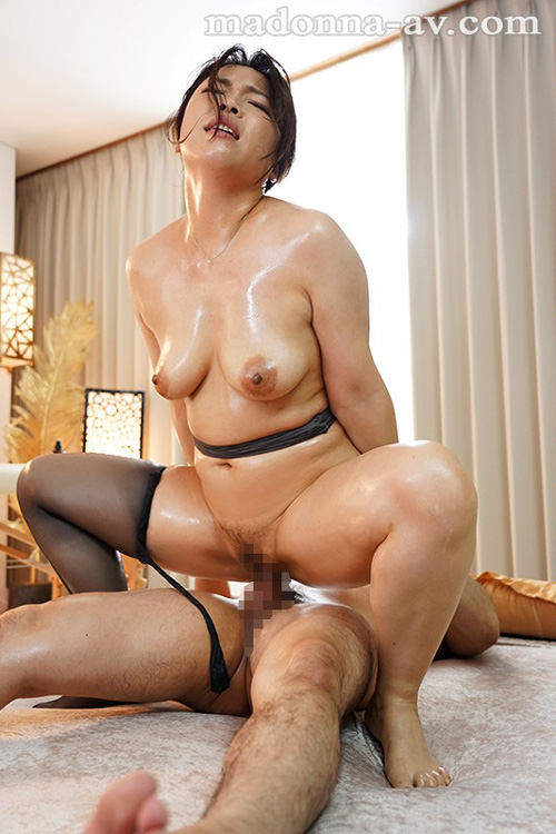 北川真由香 36歳 全身性感帯の豊満ボディでイキ狂ってしまう。
