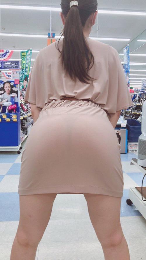 スカートをよく見ると透けパン!★エロ画像49枚