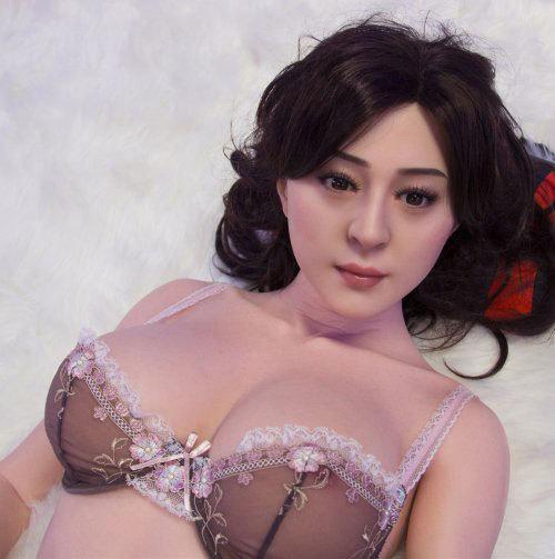 中国一の美女と証される女優ファン・ビンビンそっくりのリアルドールがあった