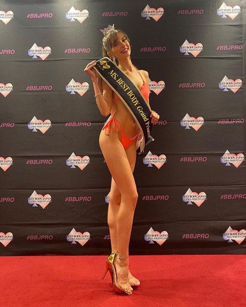 ベストボディジャパン2020総合グランプリに輝いたウクライナ出身で名古屋育ちの美女カロリーナが美しすぎな件