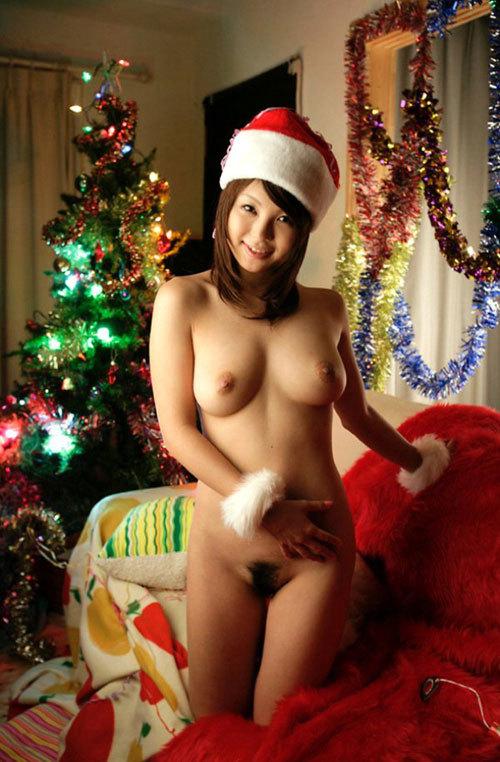 クリスマスイブはおっぱい丸出しのサンタさん12