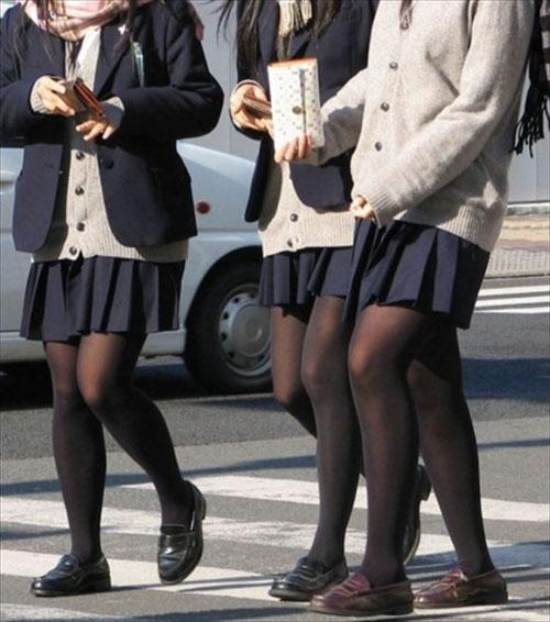 【JKパンスト盗撮画像120枚】黒タイツやストッキング履いた女子校生を街撮り