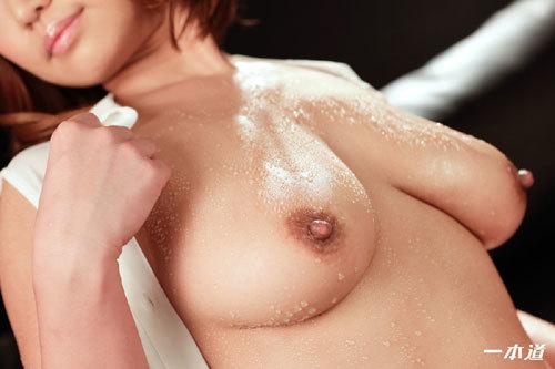 岡本理依奈 Hカップ美巨乳おっぱい13