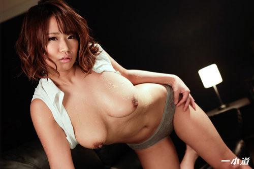 岡本理依奈 Hカップ美巨乳おっぱい14