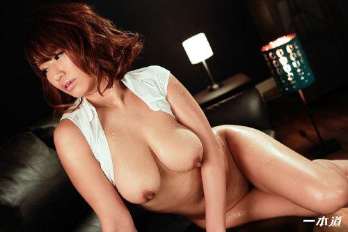 岡本理依奈 Hカップ美巨乳おっぱい15