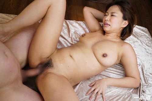 岡本理依奈 Hカップ美巨乳おっぱい36
