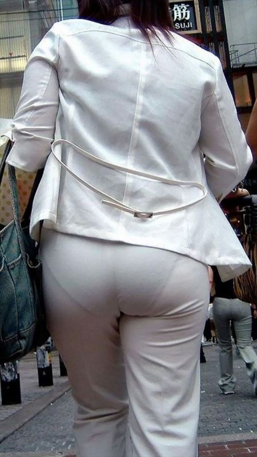 【スケパン尻エロ画像130枚】ズボンやスカートからパンティが透けてるの逃さず盗撮