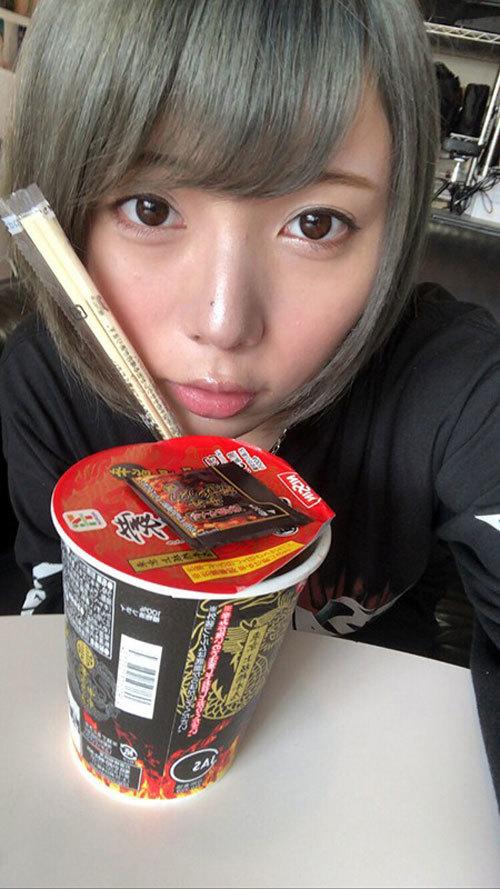 安位カヲル HカップおっぱいでMUTEKIデビュー12