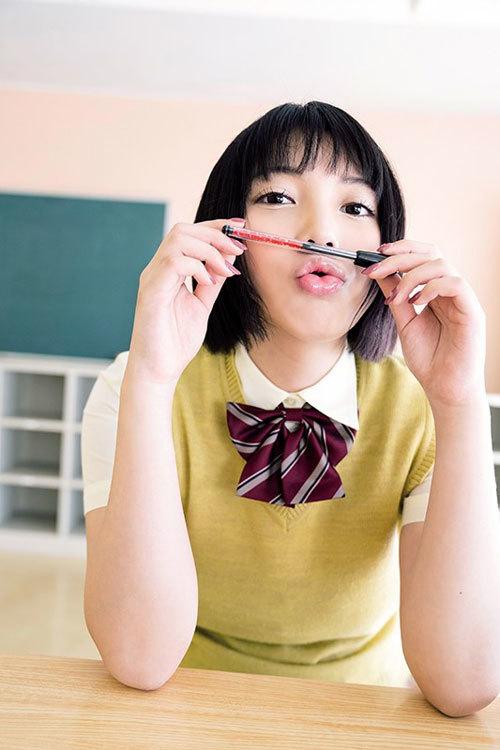 安位カヲル HカップおっぱいでMUTEKIデビュー30