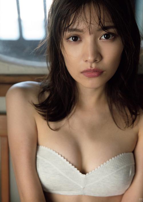 「オオカミくん」出演の松永有紗 4年ぶりの水着グラビア