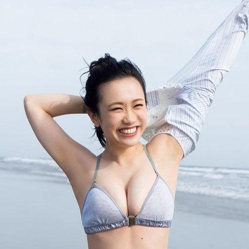 冨樫真凜 グラビアネクスト2020グランプリの社長美女のたわわなおっぱい