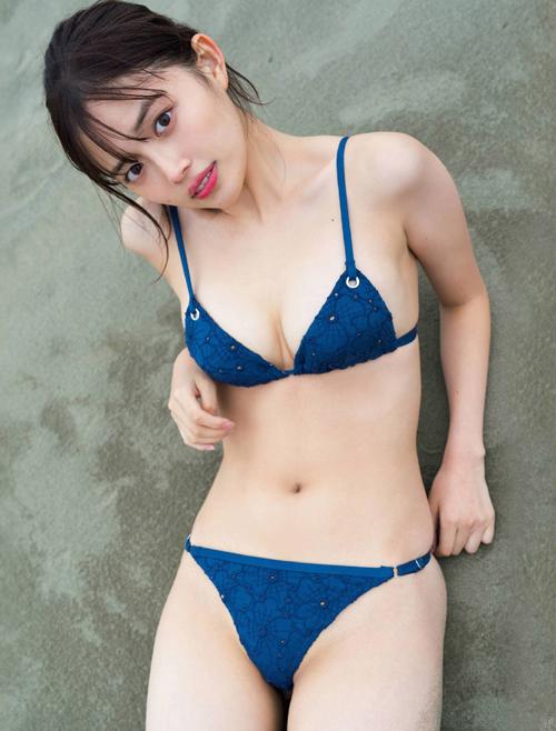 若手女優 森日菜美のぷりぷり美尻グラビア