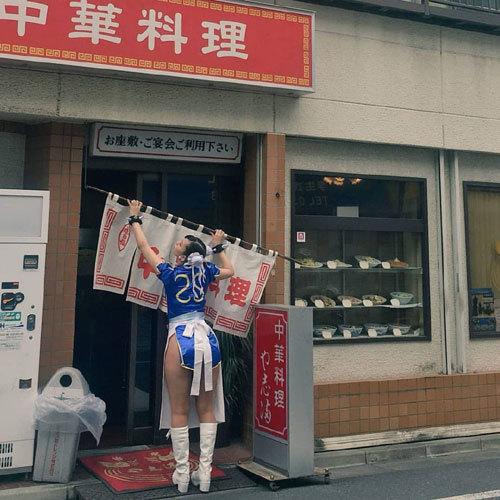 【画像】エッチな店員さん、撮られてしまう