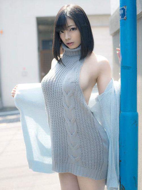 着衣巨乳のおっぱいが服の上からでもデカ過ぎ14