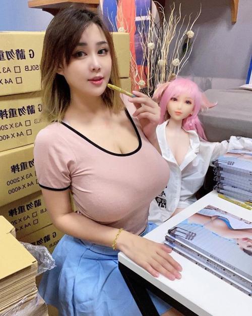 乳の暴力こと着衣おっぱいのエロ画像 part42