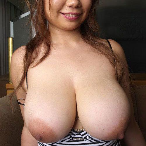 おっぱいデカ過ぎな巨乳や爆乳のお姉さんの乳房に埋もれて癒やして欲しい