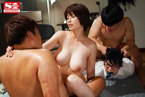 綺麗で優しい自慢のお母さんがゲスな不良先輩たちに犯●れるのを見てしまった僕 奥田咲7