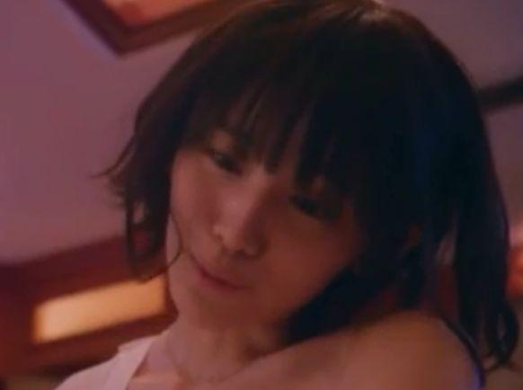 【浅川梨奈】ホテルで男性跨って可愛い喘ぎ声を上げる濡れ場