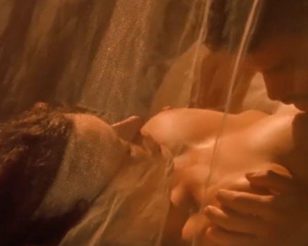 【キャリー・オーティス】乳首をペロッと舐められて全身が反応する濡れ場