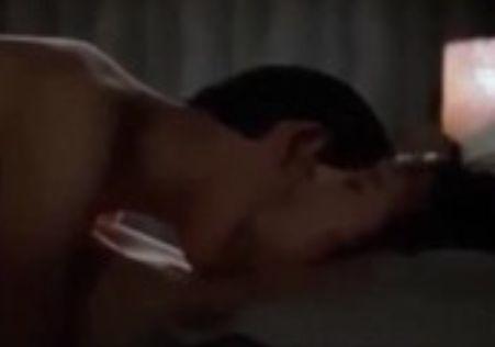 【工藤夕貴】部屋を薄暗くして男性に抱かれた濡れ場