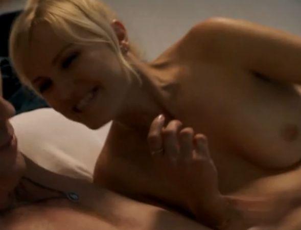 【マリン・アッカーマン】限界露出して美乳を公開した濡れ場