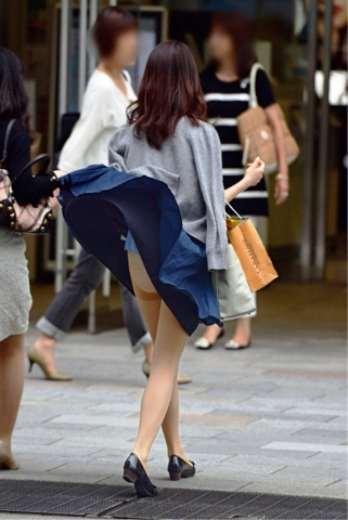 long-skirt-kaze-panchira671005.jpg