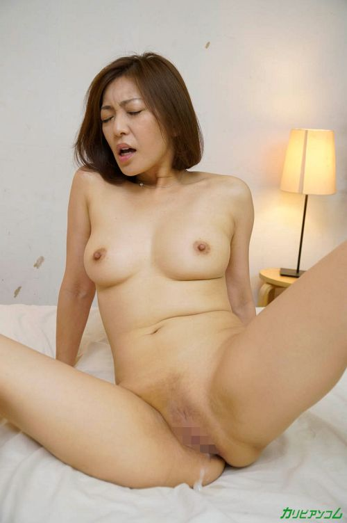 HITOMI & 神谷ゆうみ - エッチの息がぴったりな美人母娘 20