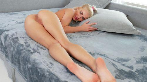 Bella Rose - PERKY TITS