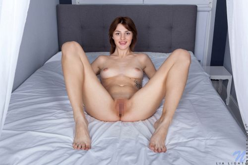 Lia Light - NOTHING TO HIDE 10