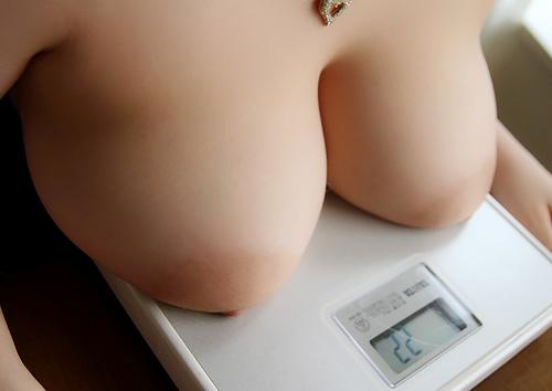 """【巨乳】エ□すぎる""""お○ぱい""""の画像まとめ。これは保存必須ですわwwwwww(100枚)"""