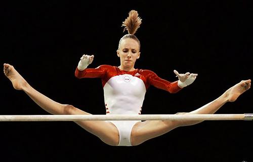 女子体操選手が撮影される「あの瞬間」がこちら。。そら問題になるわwwww