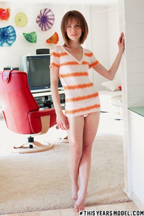 Bonnie Apricot - MODEL BONNIE APRICOT 04