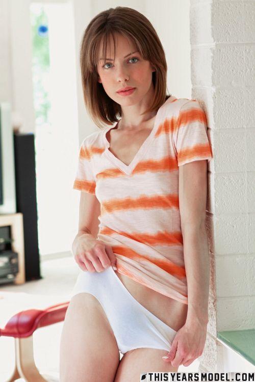 Bonnie Apricot - MODEL BONNIE APRICOT 06