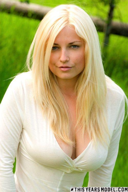 Heather Ryan - HEATHER RYAN IS THE GIRL NEXT DOOR 01