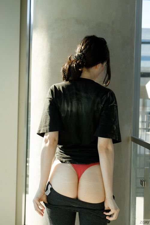 Giulia Wylde - HAS ARRIVED 13