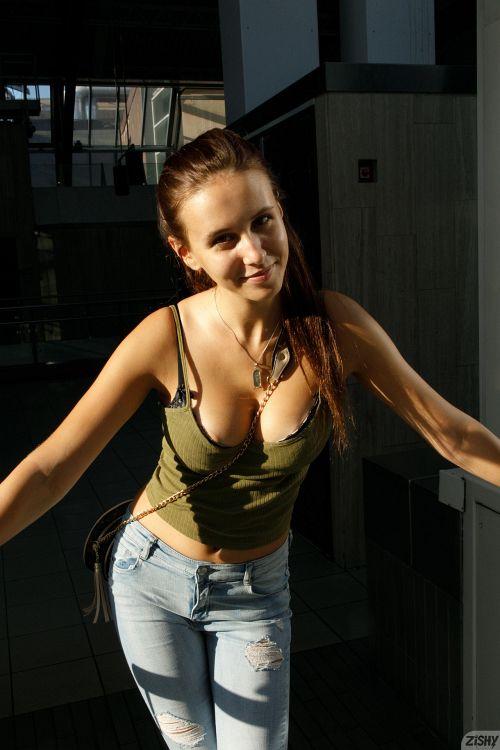 Jessica Albanka - SENTRALSTASJON 04