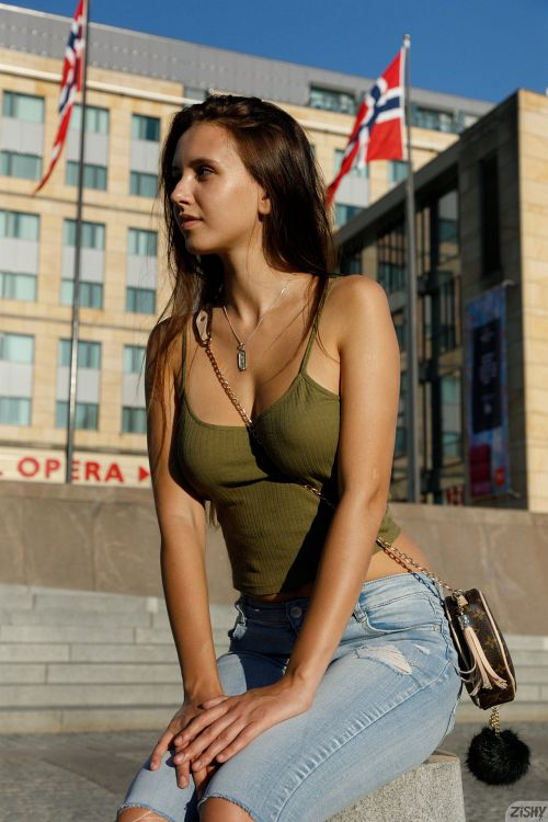 Jessica Albanka - SENTRALSTASJON 13