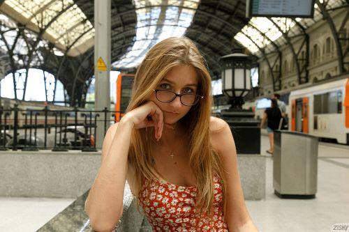 Katherine Prerija - ESTACIÓN DE FRANCIA 02