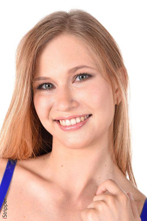 Stella Cardo - FRESH BLUEBERRIES