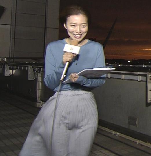 阿部華也子 強風でスカートが股間に張り付く大ハプニング!キャプ・エロ画像6