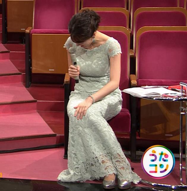 赤木野々花アナ セクシーなドレスキャプ・エロ画像6