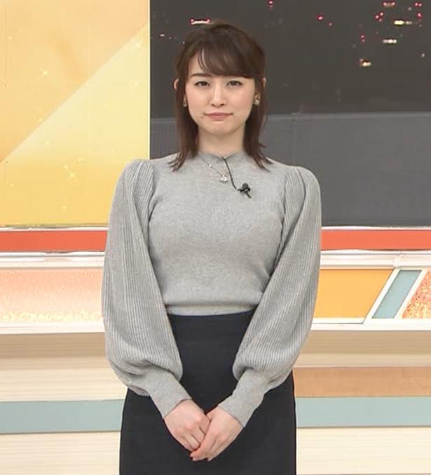 新井恵理那 エロいおっぱいとタイトなスカートな腰回りキャプ・エロ画像3