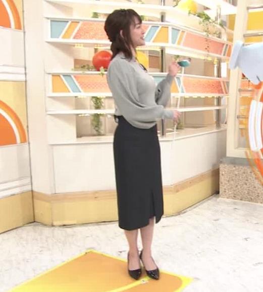 新井恵理那 エロいおっぱいとタイトなスカートな腰回りキャプ・エロ画像7