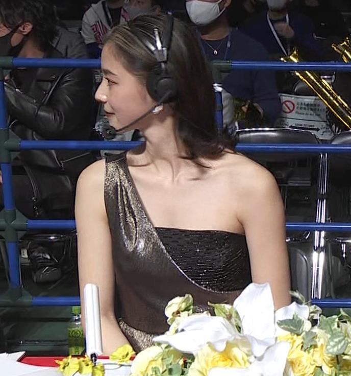 朝比奈彩 セクシードレスでちょっと胸チラキャプ・エロ画像6