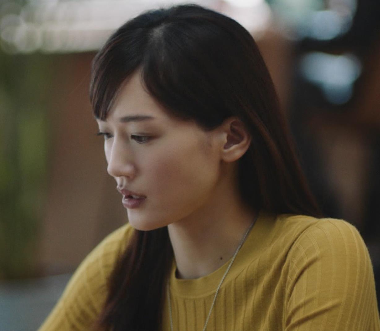 綾瀬はるか ニットおっぱいCMキャプ・エロ画像3