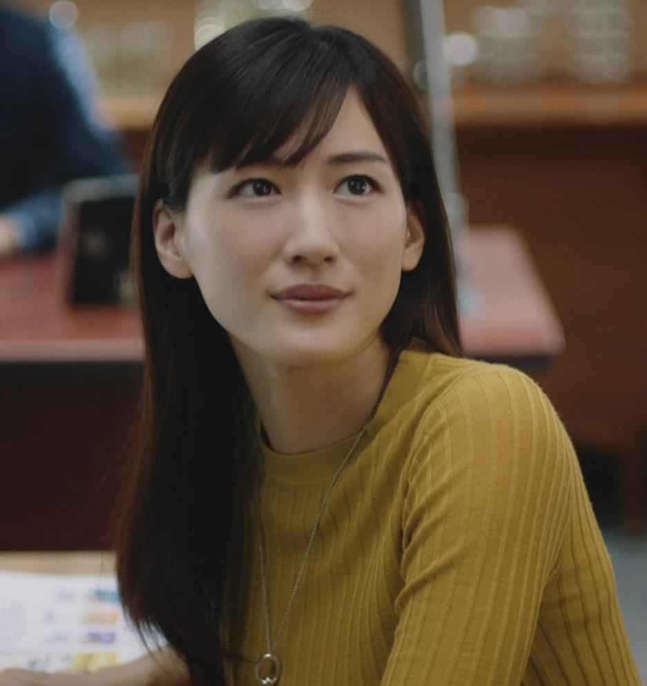 綾瀬はるか ニットおっぱいCMキャプ・エロ画像5