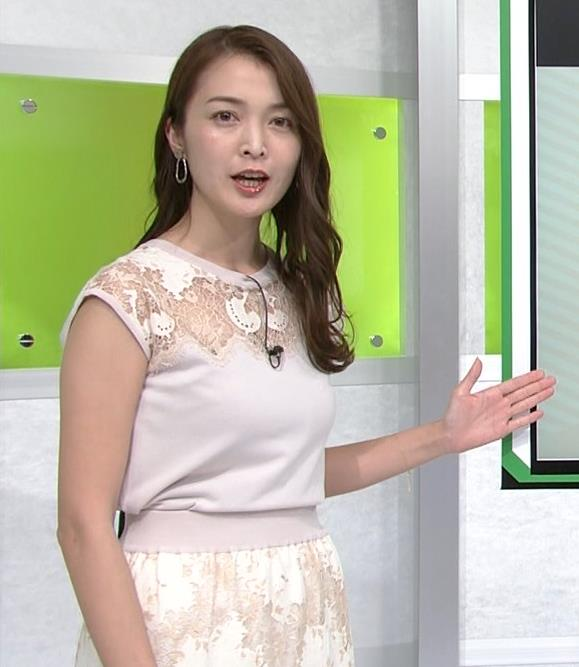 福田典子アナ レースの透け衣装キャプ・エロ画像2